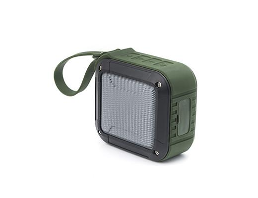 US136_-EU__Green_Waterproof_Wireless_Speaker_3Q_Flip_WB_1024x1024